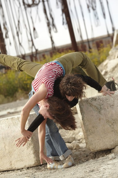 Habeas corpus hi res image for Danspace brochure 400x600 Contact Improvisation