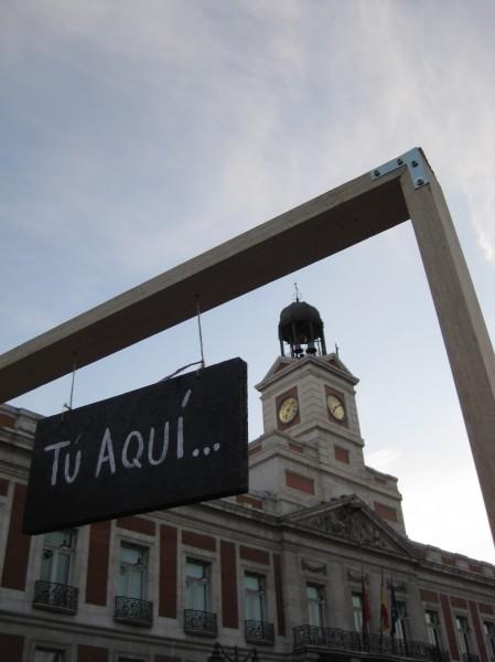 Tu Aqui and Puerta del Sol clock tower
